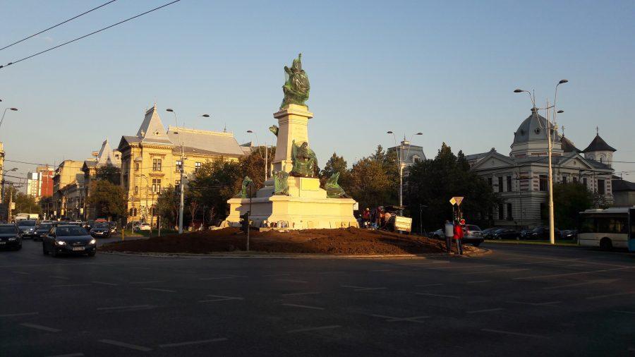 Statuia lui Ion C. Brătianu a fost amplasată la Universitate.